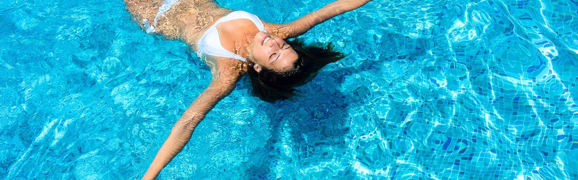 E Hotel - pool